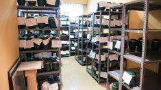 Sala habilitada para el almacenamiento de urnas con cenizas de fallecidos durante la crisis del coronavirus. (Foto: Europa Press)