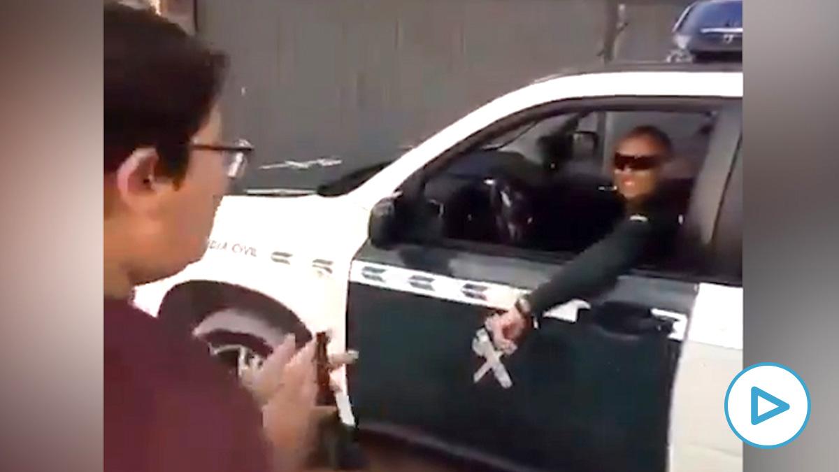 La emotiva sorpresa de la Guardia Civil a un niño de Pago del Humo (Cádiz)
