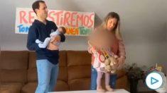Inma Jiménez, alcaldesa de Tomelloso (Ciudad Real) con el PSOE, bailando junto a su marido y su hijos.