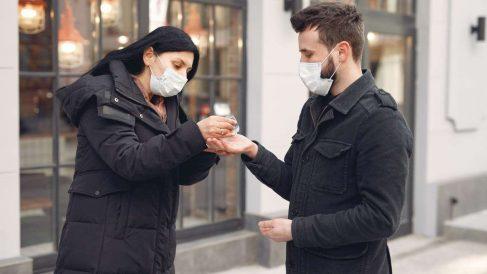 Las mascarillas van a ser obligatorias en España en espacios cerrados y en la vía pública.