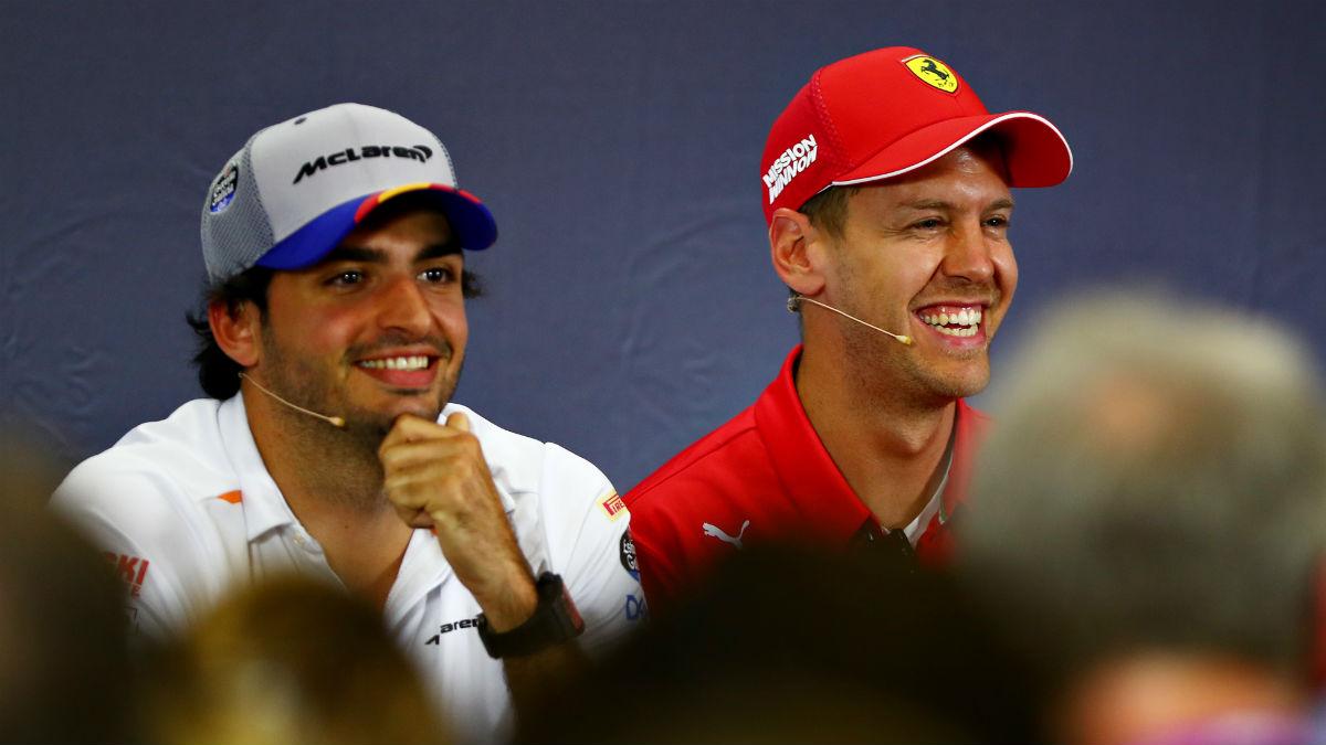 Carlos Sainz Jr, junto a Vettel. (Getty)