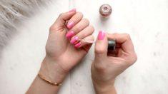 Dejar las uñas sin pintar durante unos días puede ser muy beneficioso para ellas