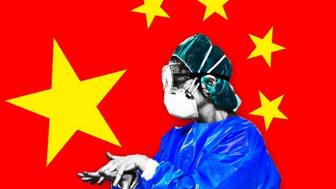 El Gobierno compra batas a empresas chinas 66 veces más caras que las adquiridas a compañías españolas