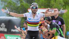 Alejandro Valverde, celebra una victoria en La Vuelta 2019 (AFP).