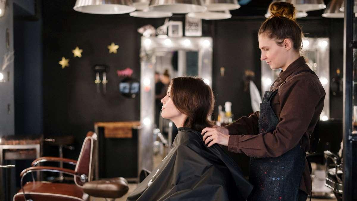 Las peluquerías podrán abrir con cita previa para cada cliente