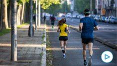 Un grupo de personas corriendo en la calle. Foto: EP