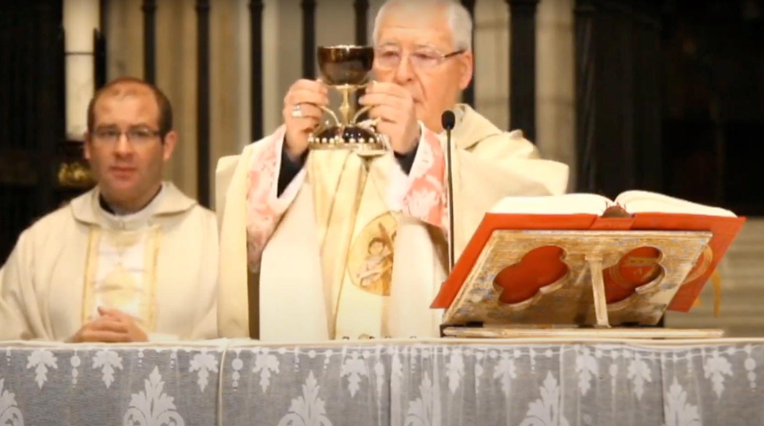 El obispo de Alcalá de Henares durante la celebración del funeral por las víctimas del COVID-19.