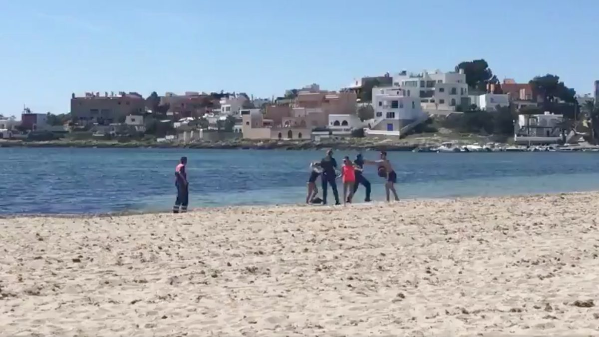 La secuencia en la playa de Talamanca en Ibiza