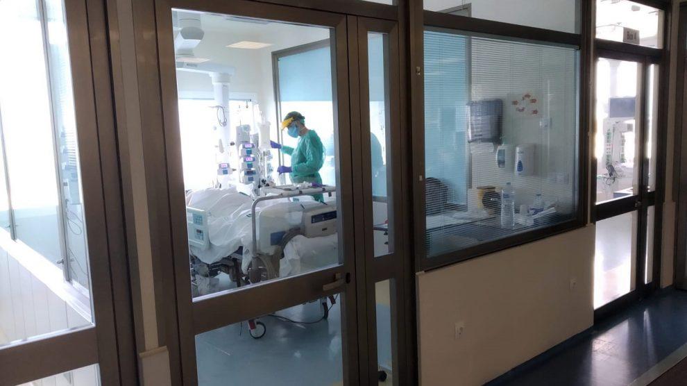 Imagen de la UCI de un hospital durante la pandemia.