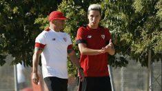 Sampaoli y Nasri, en un entrenamiento del Sevilla.
