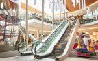 La afluencia en centros comerciales se desplomó más de un 25% en julio en plenas rebajas