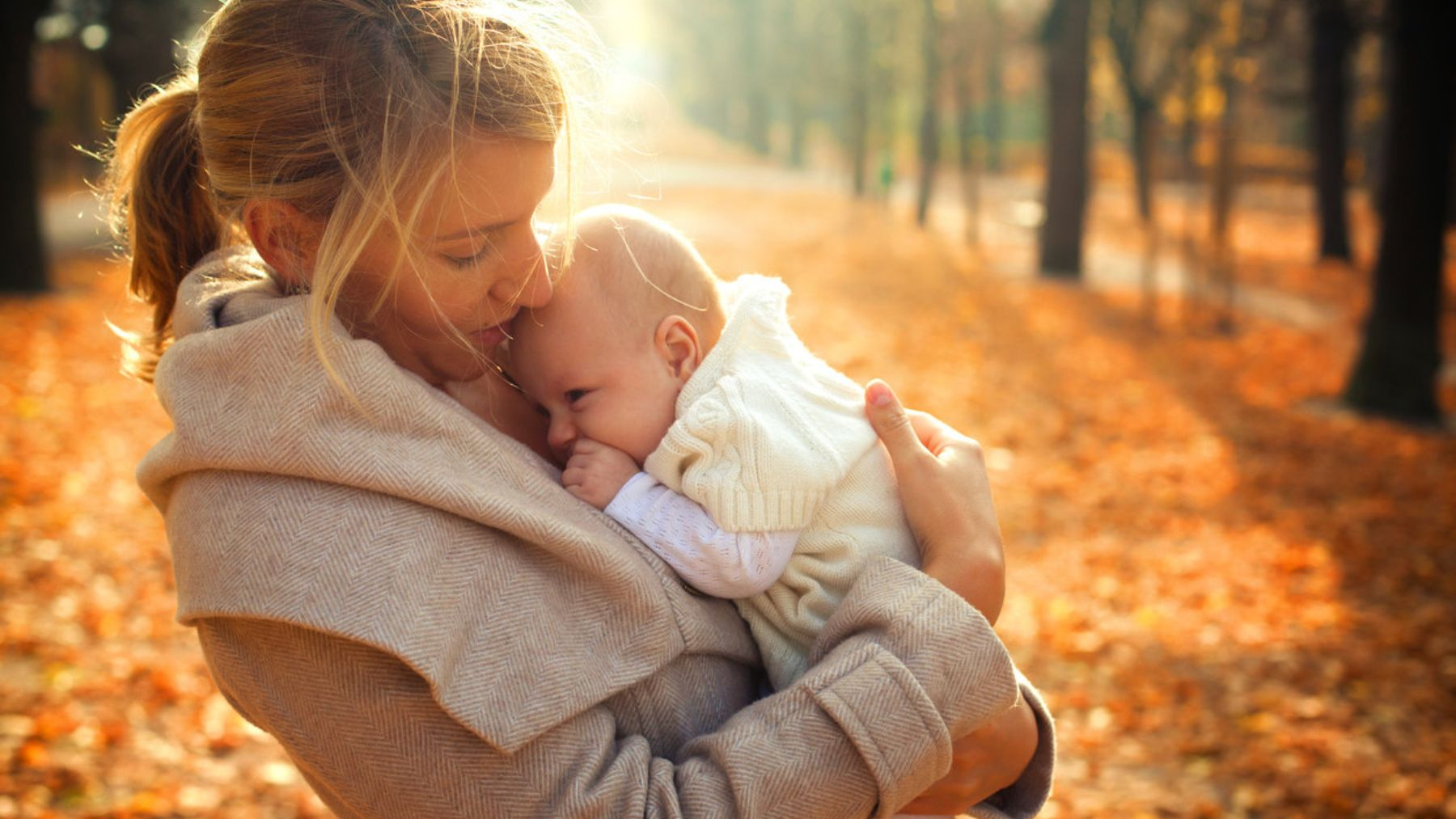 Descubre por qué es bueno que el bebé tome el sol desde que nace