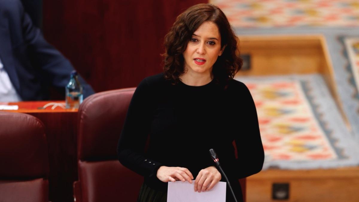 Isabel Díaz Ayuso de luto en la Asamblea de Madrid (Foto: EFE Pool)