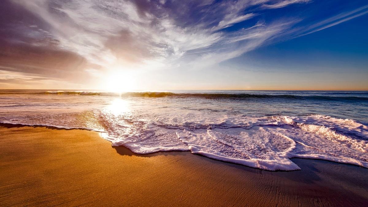 Un brote de coronavirus después de una fiesta obliga a Ceuta a clausurar sus playas