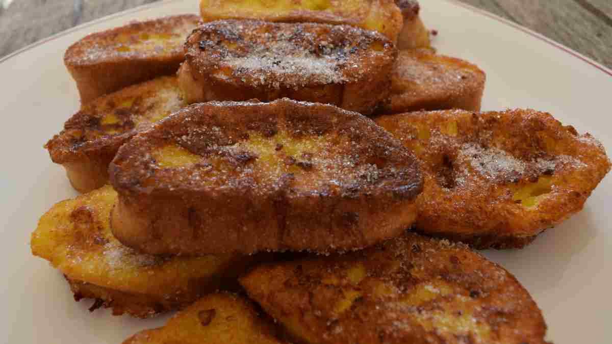 Receta de Deliciosas torrijas de pan duro y leche