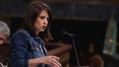 La portavoz del PSOE, Adriana Lastra, durante un pleno en el Congreso. (Foto: Europa Press)