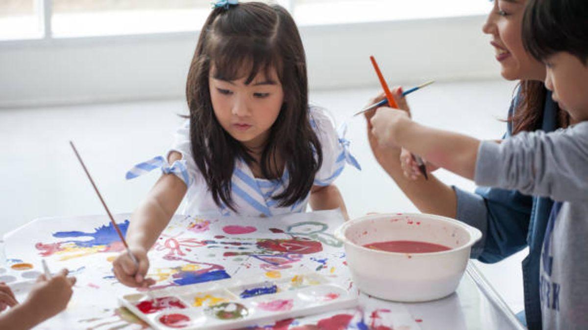 Todos los pasos para introducir a los niños en la pintura con témperas