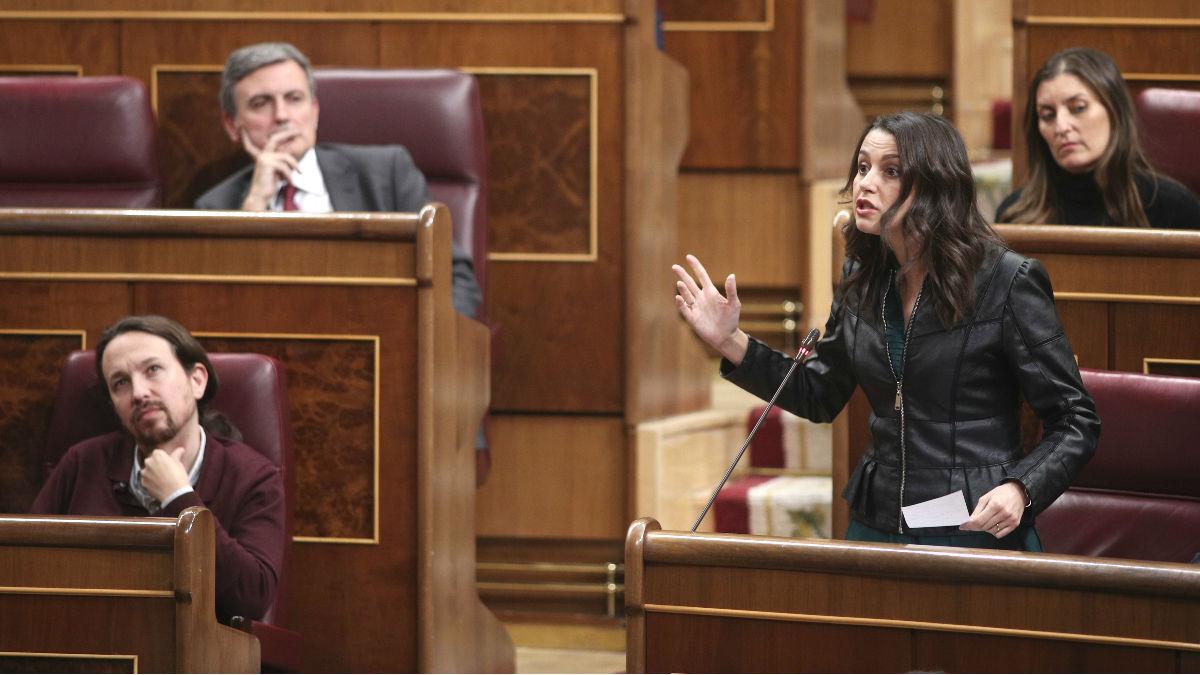 Imagen de archivo de Pablo Iglesias e Inés Arrimadas durante un pleno en el Congreso. (Foto: Europa Press)