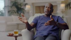 Michael Jordan, en un momento del documental 'The Last Dance'.