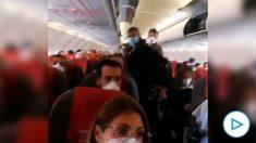 Tensión en un vuelo Madrid-Gran Canaria por no respetarse la distancia de seguridad.
