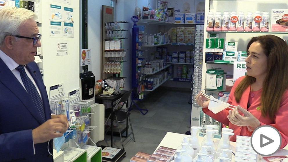 Los farmacéuticos sobre las mascarillas de Ayuso: «Son seguras y tienen el certificado europeo»