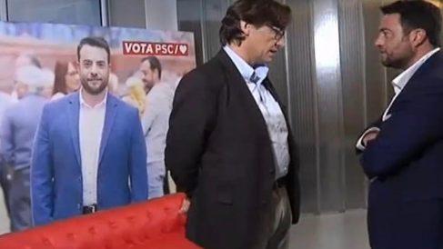 Salvador Illa, con el ex alcalde dimitido por conducir borracho Alex Pastor, durante un mitin en Badalona