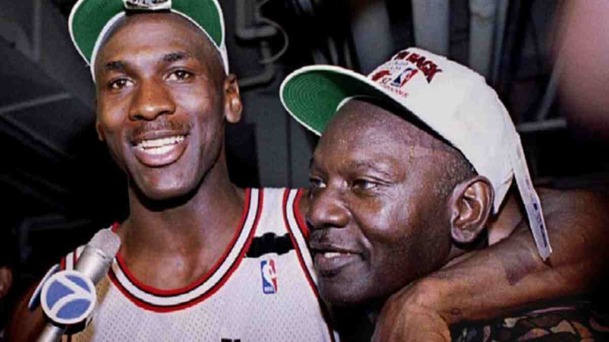Michael y James Jordan. (NBA)