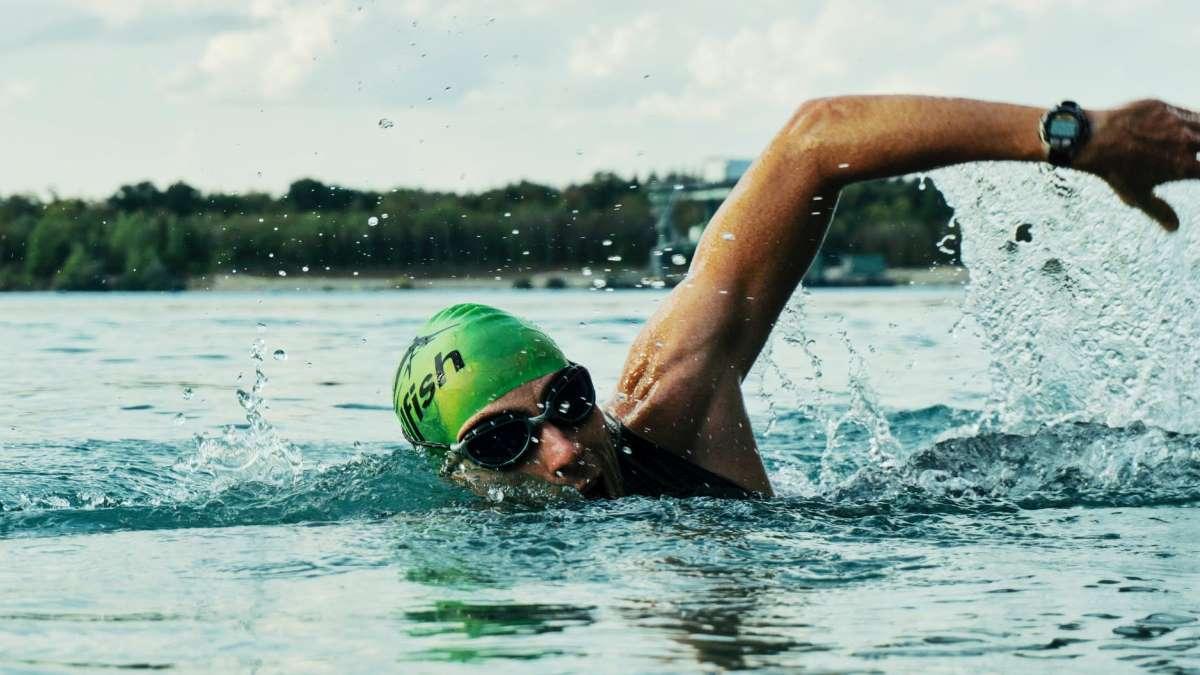 La natación está permitida, aunque con ciertas limitaciones en algunos lugares