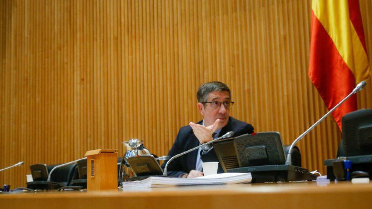Patxi López presidiendo la Comisión de Reconstrucción ante el coronavirus. (Foto: Congreso)