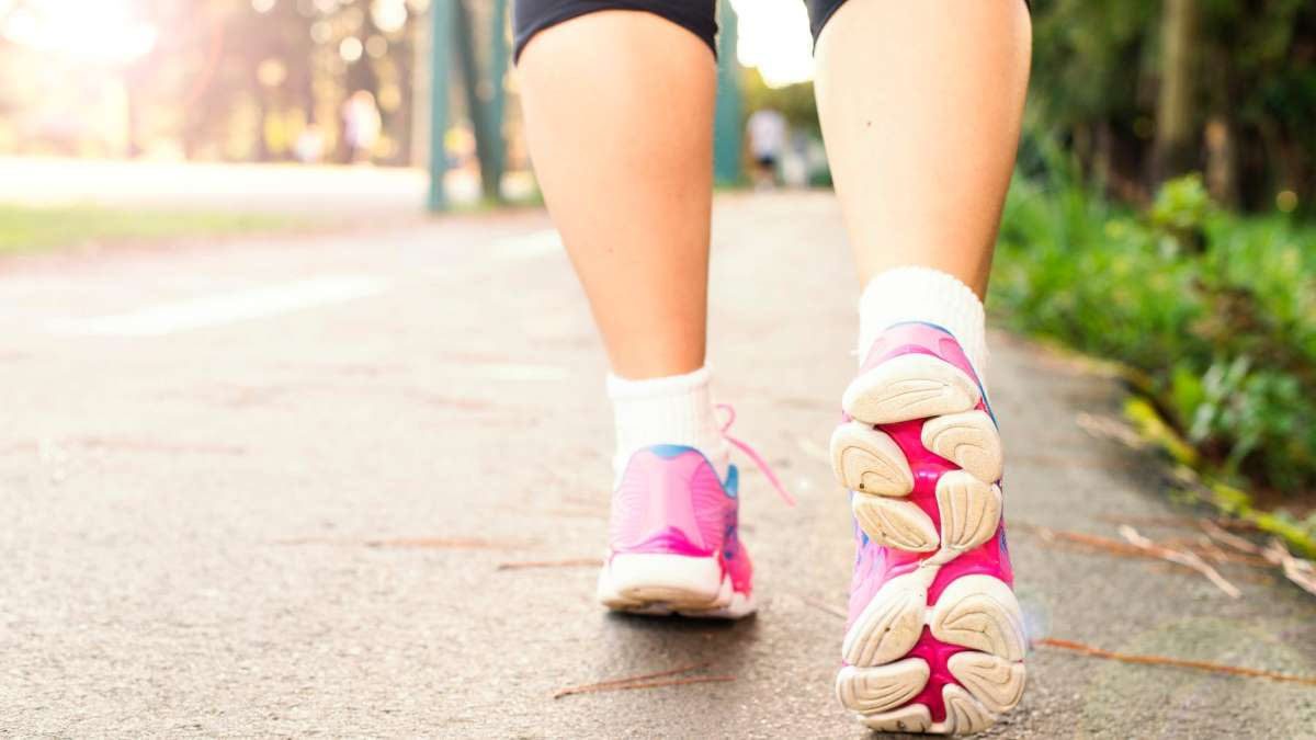 Salir a caminar es una de las actividades físicas más productivas y beneficiosas