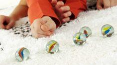 Distintos juegos con canicas que podemos jugar con los niños en casa