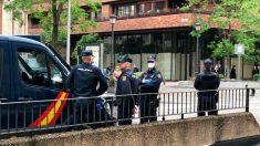 Policía Nacional en la calle Núñez de Balboa de Madrid este jueves. (Foto: Enrique Falcón)