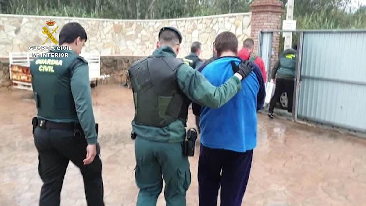 Uno de los 35 detenidos en la operación de la Guardia Civil desarrollada en Barbate. (Ep)