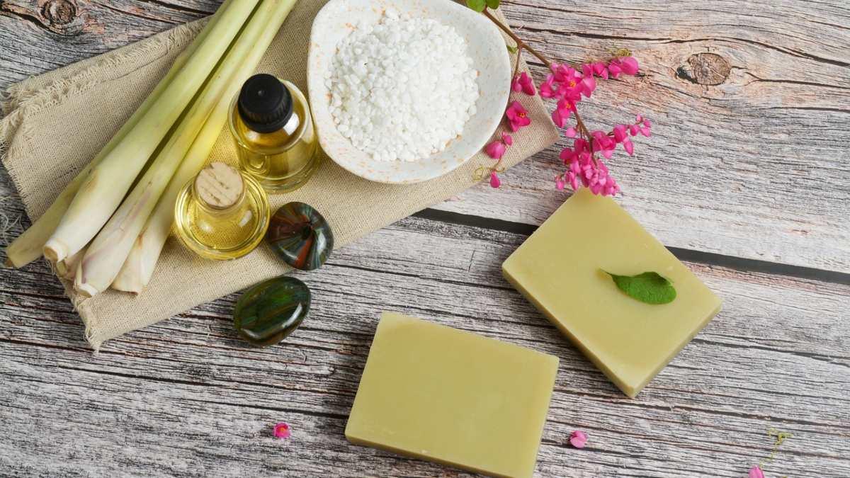 Aceite de citronela: Qué es y cuáles son sus propiedades y beneficios