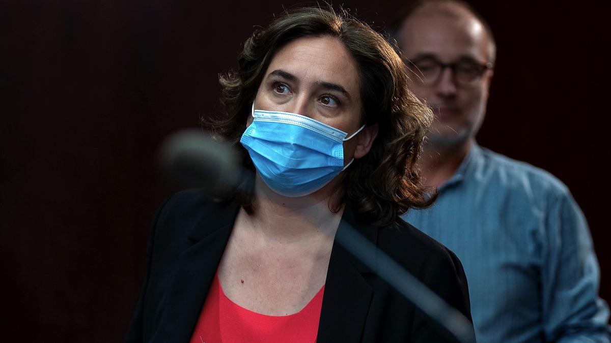 Ada Colau con mascarilla. (Foto: Barcelona)