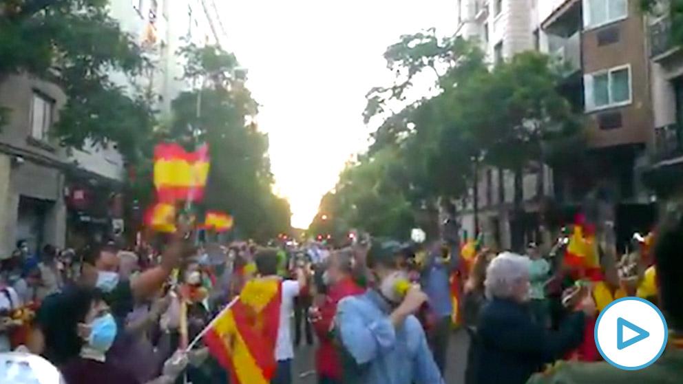 Cacerolada en la calle Ferraz contra el Gobierno socialcomunista.