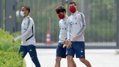Los jugadores del Bayern de Múnich antes de un entrenamiento. (AFP)
