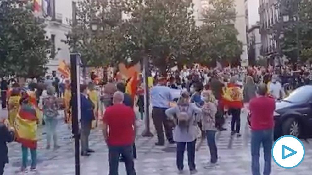 Imagen de la protesta contra Sánchez en Granada.