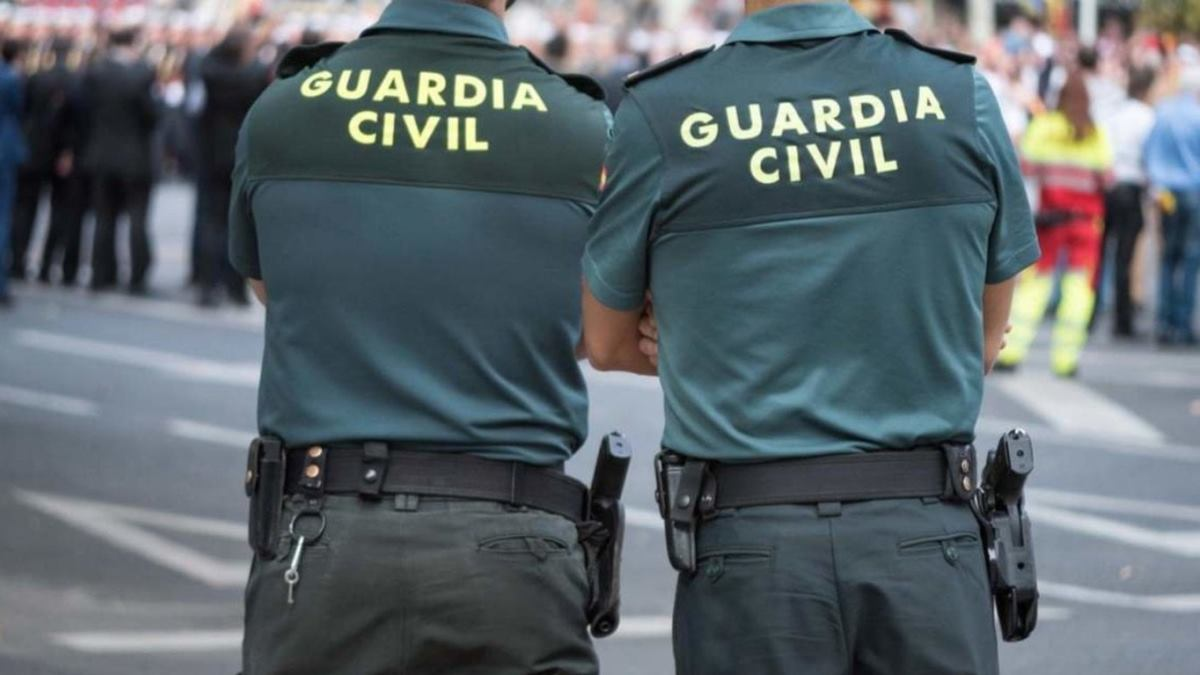 Asuntos Internos detiene a dos guardias civiles acusados de robar hachís en Almería