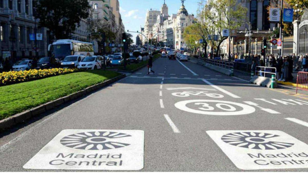 El Ayuntamiento de Madrid prohíbe el acceso al centro de vehículos para proteger el medioambiente