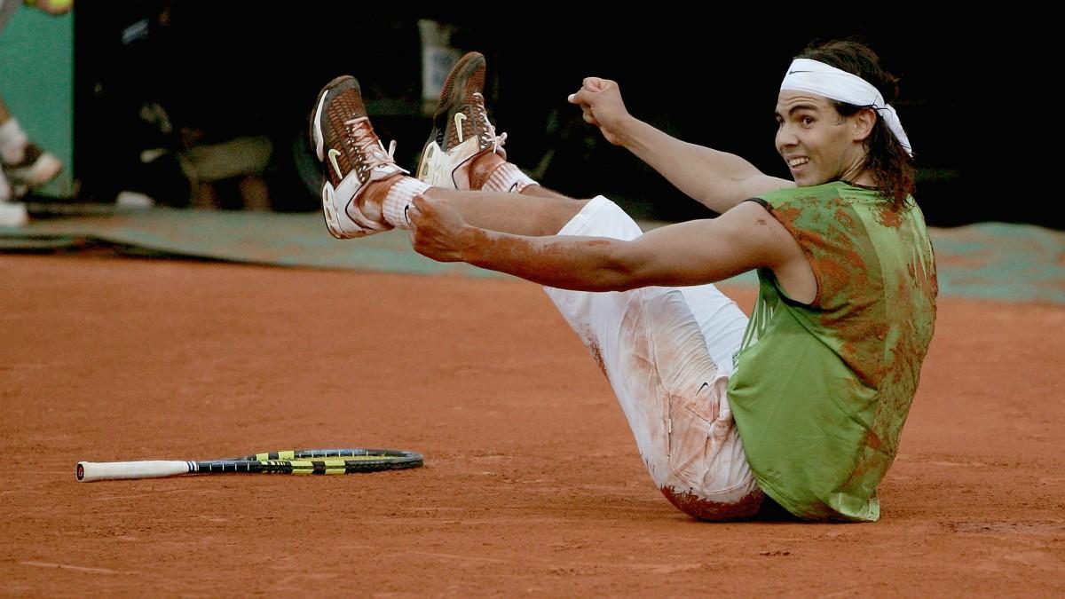 Nadal celebra una victoria en Roland Garros 2005. (Getty)