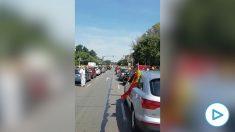 Concentración de coches en Valencia contra el Gobierno de Pedro Sánchez tras el llamamiento de Vox.