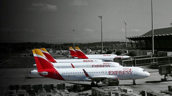 Sánchez entorpece la reactivación aérea: la cuarentena a los turistas retrasa la vuelta de Iberia