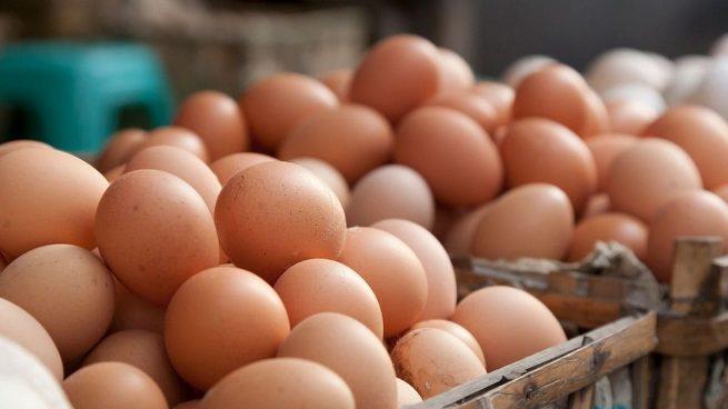 ¿Se pueden comer huevos con algún defecto? Dos yemas, yema oscura...