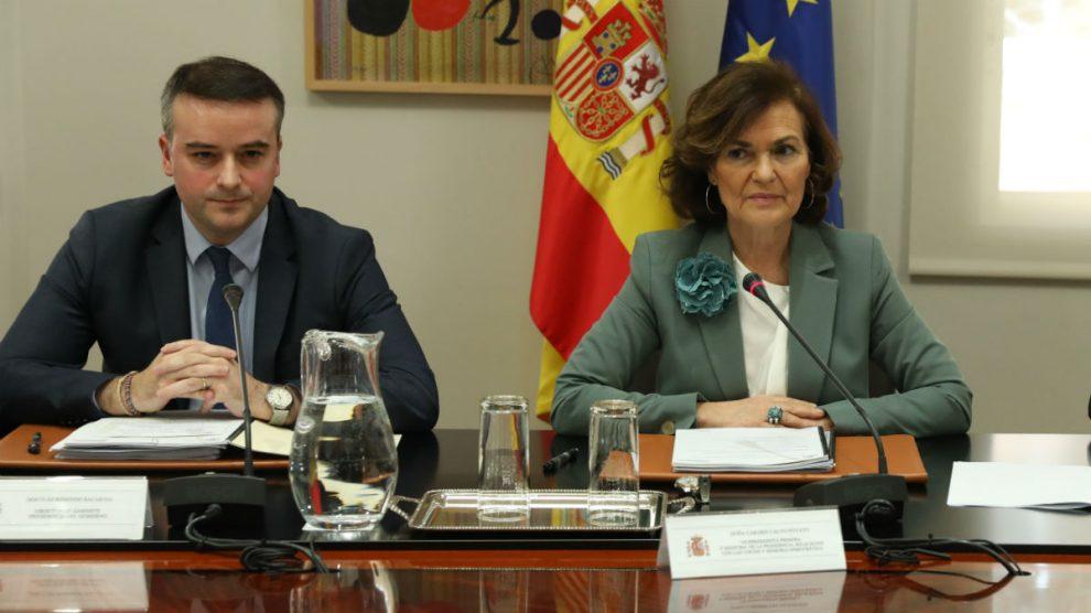 Iván Redondo y Carmen Calvo en una reunión sobre asuntos de Seguridad Nacional en La Moncloa. (Foto: EP)