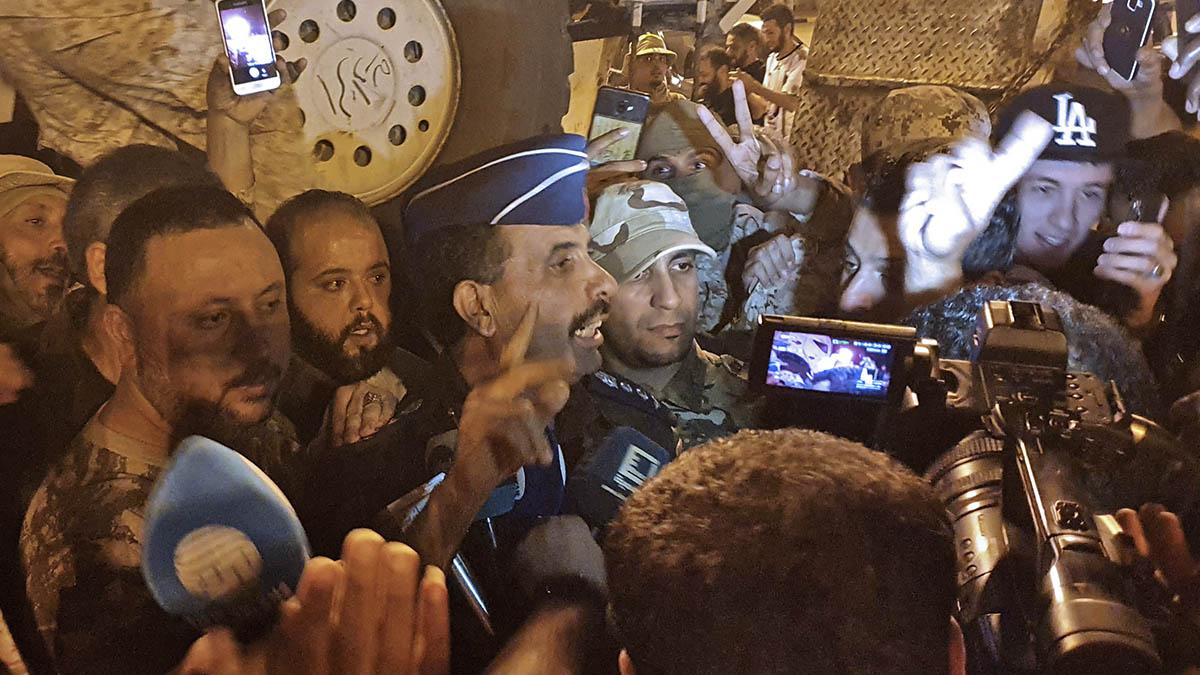 Mohamed Gununu, portavoz del Ejército libio.