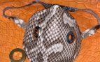 Twitter: Crea y vende mascarillas con piel de serpiente y cocodrilo a 90 dólares