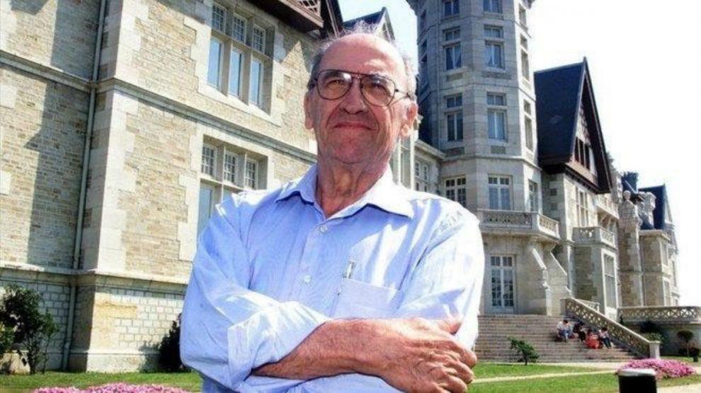 Miguel Artola, en Santander, en 2001. – (EFE / ESTEBAN COBO)