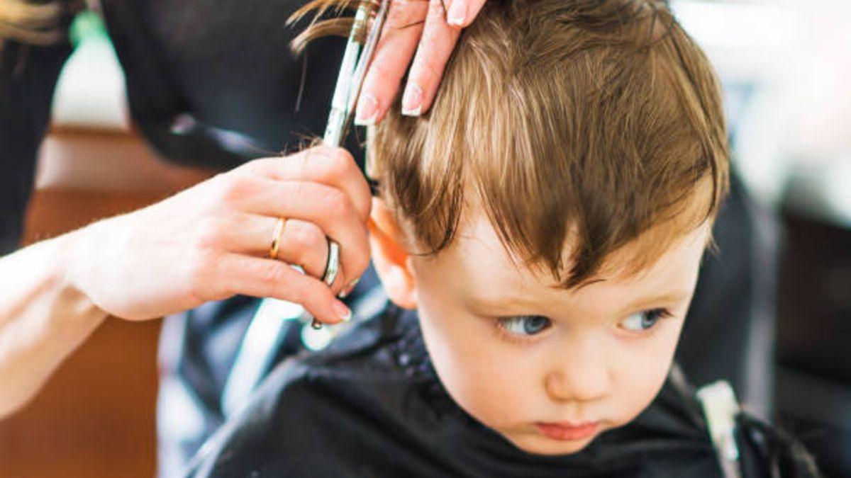 Tips para que tu hijo no le tenga miedo a cortarse el pelo