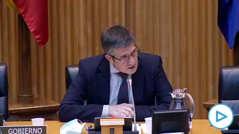 Patxi López pide disculpas por haber permitido comportamientos «innecesarios» de Pablo Iglesias con Vox.